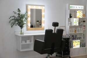 Espejo de maquillaje centro de belleza